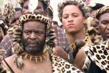 Dansul Zulu, sau cum 1000 de virgine danseaza goale in fata regelui